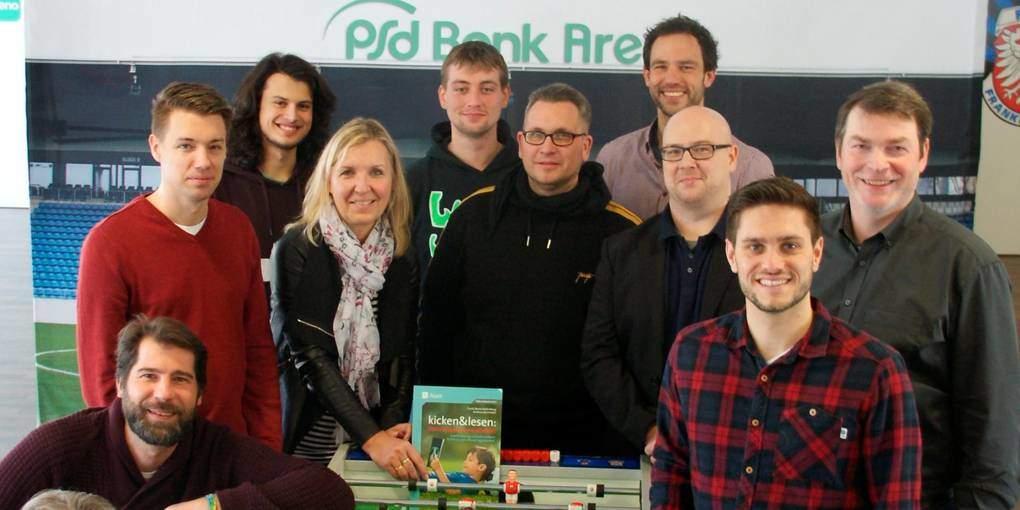 """Projektstart """"kicken & lesen"""" an den Weilroder Schulen"""